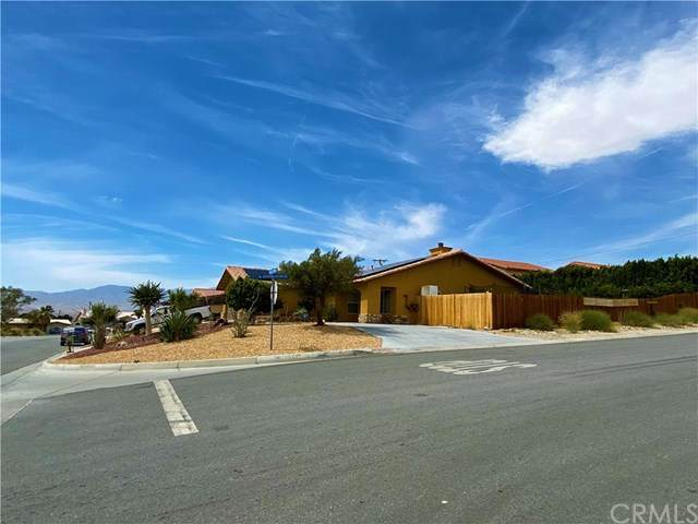 68088 Calle Cerrito, Desert Hot Springs, CA 92240 (#OC21076951) :: Wendy Rich-Soto and Associates