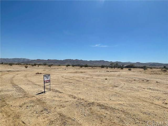 0 Sun Mesa Road, Joshua Tree, CA 92252 (#JT21077016) :: Steele Canyon Realty
