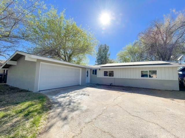 38715 Lilacview Avenue, Palmdale, CA 93550 (#SR21075012) :: Wendy Rich-Soto and Associates