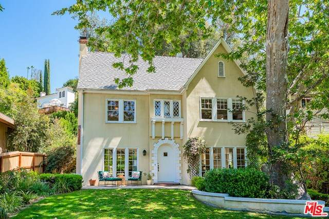 2220 Canyon Drive, Los Angeles (City), CA 90068 (#21716052) :: Wendy Rich-Soto and Associates