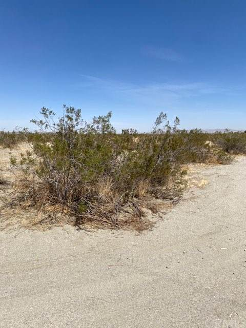 0 Boswell Street S, Adelanto, CA 92301 (#SB21076099) :: Wendy Rich-Soto and Associates