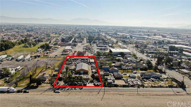 8433 Ilex Street, Fontana, CA 92335 (#CV21073001) :: Team Forss Realty Group