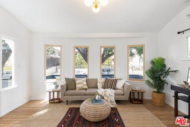 5846 Willoughby Avenue, Los Angeles (City), CA 90038 (#21701534) :: RE/MAX Masters