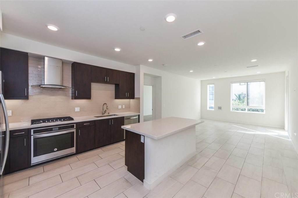 1336 Nolita, Irvine, CA 92612 (#OC21077962) :: Powerhouse Real Estate