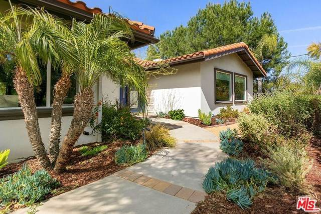3619 Sapphire Drive, Encino, CA 91436 (#21718952) :: Wendy Rich-Soto and Associates