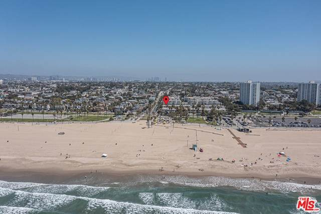 10 Ocean Park Boulevard #13, Santa Monica, CA 90405 (#21717456) :: The Kohler Group