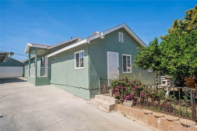 11129 Van Buren Avenue, Los Angeles (City), CA 90044 (#SR21073368) :: The Kohler Group