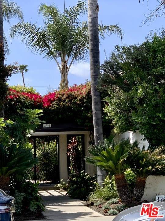 4321 Matilija Avenue #9, Sherman Oaks, CA 91423 (#21718714) :: The Kohler Group