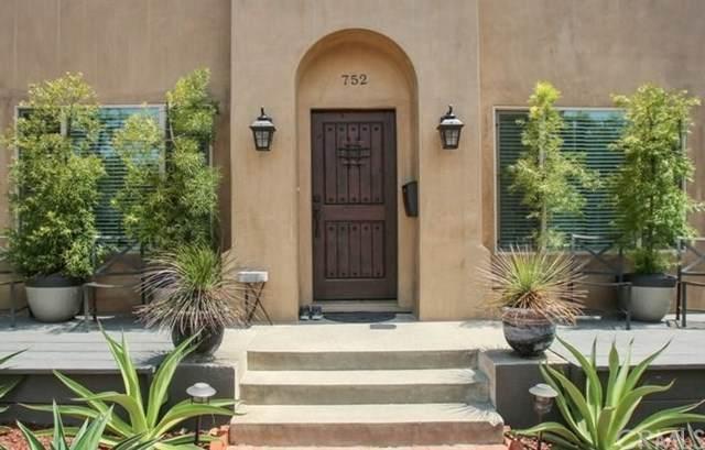 752 Main Street, Huntington Beach, CA 92648 (#OC21079988) :: Compass
