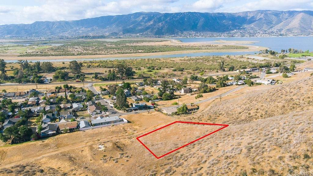 0 Country Club Heights, Lake Elsinore, CA 92530 (#SW21076623) :: Power Real Estate Group