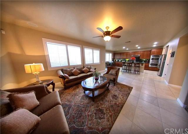 45 Volta Del Tintori Street, Lake Elsinore, CA 92532 (#SW21078741) :: Power Real Estate Group