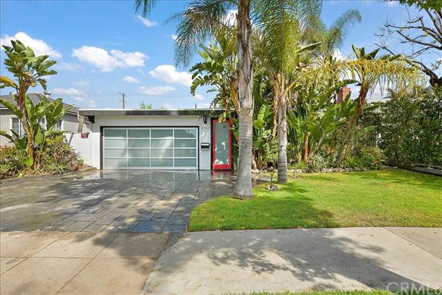 4948 Willowcrest Avenue, North Hollywood, CA 91601 (#SW21081122) :: The Brad Korb Real Estate Group