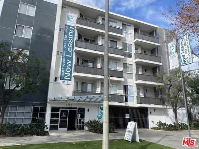 401 La Fayette Park Place - Photo 1