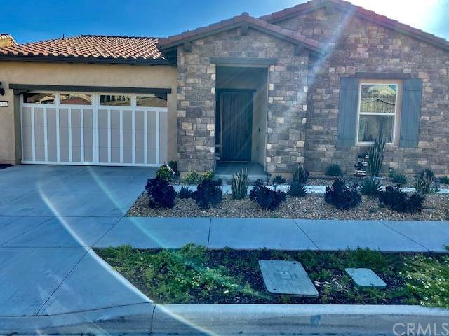 24507 Overlook Drive, Corona, CA 92883 (#PW21081746) :: Team Forss Realty Group