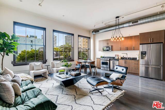 1645 N Vine Street #308, Los Angeles (City), CA 90028 (#21717718) :: Massa & Associates Real Estate Group | eXp California Realty Inc