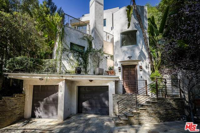 9819 Portola Drive, Beverly Hills, CA 90210 (#21721284) :: Team Forss Realty Group