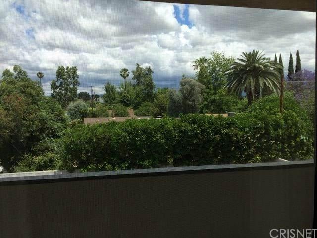 5411 Tyrone Avenue #309, Sherman Oaks, CA 91401 (#SR21083550) :: Team Forss Realty Group