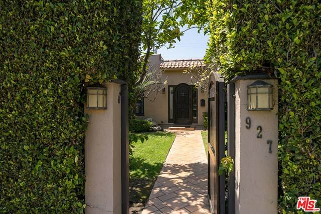 927 N Crescent Heights Boulevard, Los Angeles (City), CA 90046 (#21721676) :: Berkshire Hathaway HomeServices California Properties