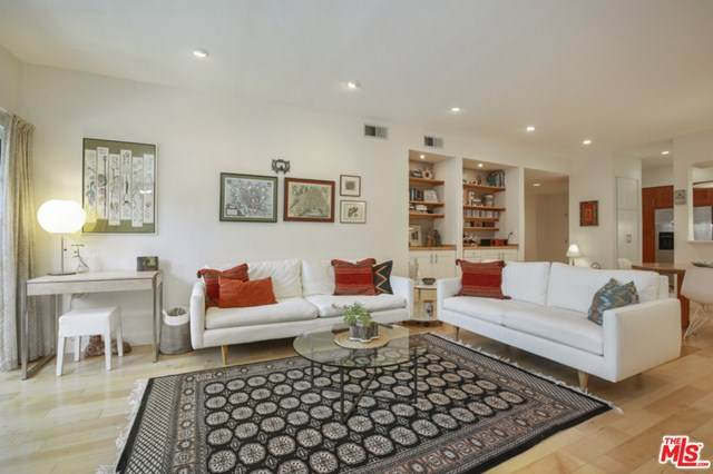 10650 Kinnard Avenue #108, Los Angeles (City), CA 90024 (#21721668) :: Bathurst Coastal Properties