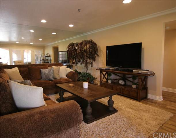 500 E Amado Road #312, Palm Springs, CA 92262 (#OC21080176) :: The Miller Group