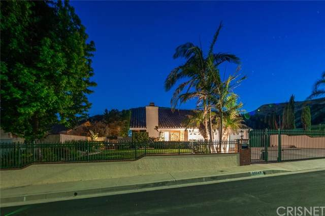 13345 Constable Avenue, Granada Hills, CA 91344 (#SR21079431) :: Go Gabby
