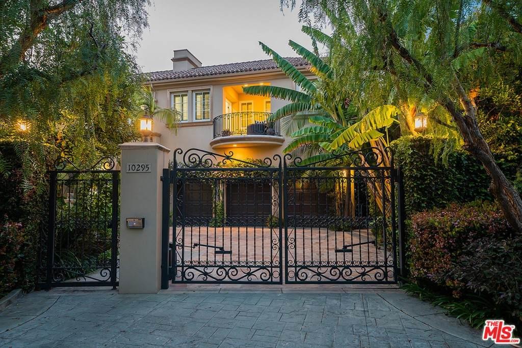 10295 Century Woods Drive, Los Angeles (City), CA 90067 (#21722728) :: Go Gabby