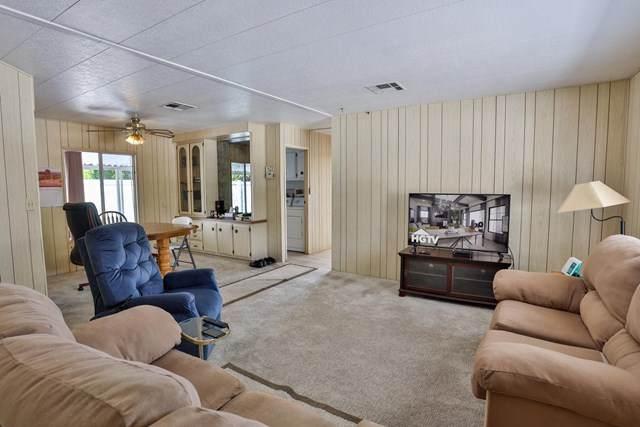 194 Guaymas Drive Palm Springs, Palm Springs, CA 92264 (#219061207DA) :: Wahba Group Real Estate   Keller Williams Irvine