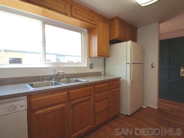 8749 Lake Murray Blvd #8, San Diego, CA 92119 (#210011340) :: Mainstreet Realtors®