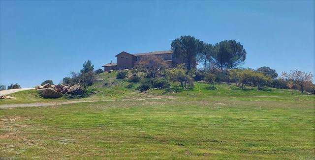 23475 Trappers Hollow Road, Alpine, CA 91901 (#PTP2102973) :: Compass