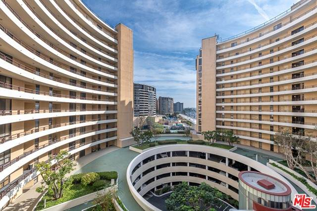 4314 Marina City Drive #124, Marina Del Rey, CA 90292 (#21719180) :: Rogers Realty Group/Berkshire Hathaway HomeServices California Properties