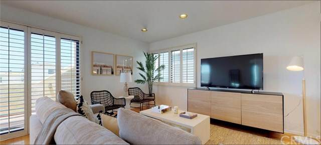 301 44th Street, Manhattan Beach, CA 90266 (#OC21092650) :: The Costantino Group | Cal American Homes and Realty