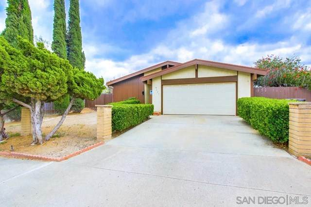 8621 Carlton Oaks Dr, Santee, CA 92071 (#210011623) :: The Costantino Group   Cal American Homes and Realty