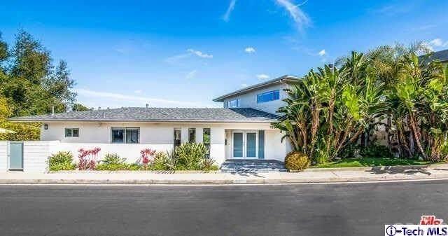 11541 Dona Teresa Drive, Studio City, CA 91604 (#320005931) :: Zember Realty Group