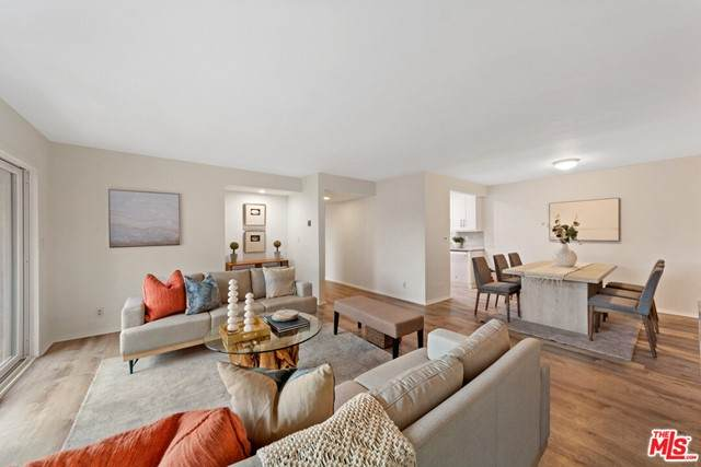 5651 Windsor Way #208, Culver City, CA 90230 (#21725948) :: Team Forss Realty Group
