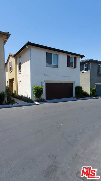 12007 Jackson Square Court, Hawthorne, CA 90250 (#21726832) :: Wendy Rich-Soto and Associates