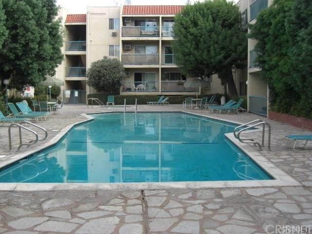 18307 Burbank Boulevard #128, Tarzana, CA 91356 (#SR21091948) :: The Brad Korb Real Estate Group