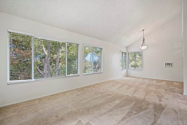 930 Via Mil Cumbres #26, Solana Beach, CA 92075 (#NDP2104799) :: Power Real Estate Group