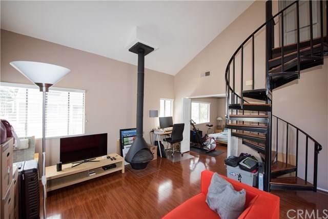 19 Hollyhock Lane #227, Aliso Viejo, CA 92656 (#CV21094009) :: Legacy 15 Real Estate Brokers