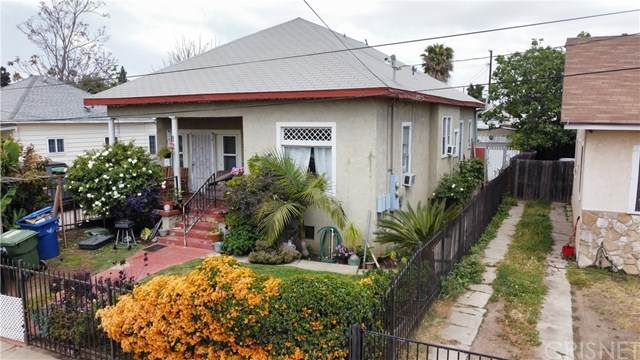 821 W 98th Street, Los Angeles (City), CA 90044 (#SR21094138) :: Team Forss Realty Group