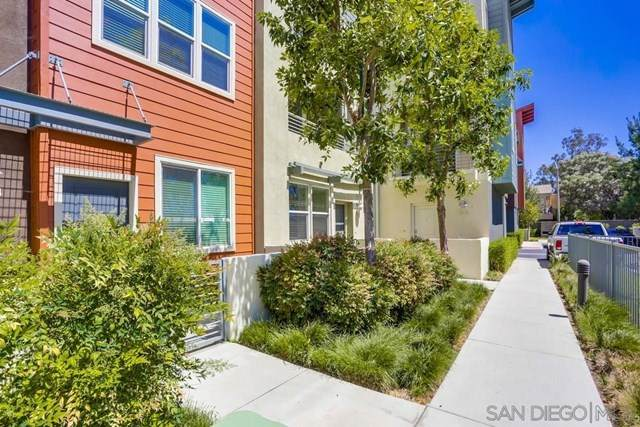 317 Antoni Glen #1306, Escondido, CA 92025 (#210011743) :: The Costantino Group | Cal American Homes and Realty