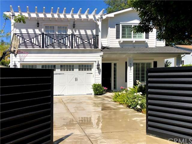 5251 Bellaire Avenue, North Hollywood, CA 91607 (#OC21093759) :: Team Forss Realty Group