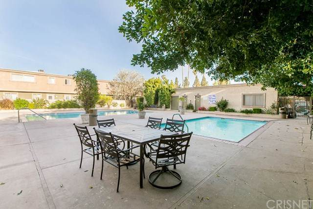 20235 Cohasset Street #10, Winnetka, CA 91306 (#SR21094094) :: The Costantino Group | Cal American Homes and Realty