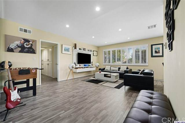4881 Cleon Avenue #3, North Hollywood, CA 91601 (#320005932) :: Team Forss Realty Group