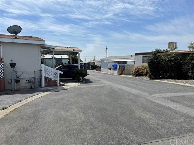 135 N Pepper Avenue #16, Rialto, CA 92376 (#IV21094970) :: The Costantino Group | Cal American Homes and Realty