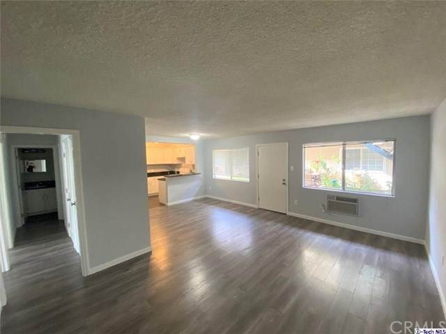 10707 New Haven Street #15, Sun Valley, CA 91352 (#320005933) :: Team Forss Realty Group