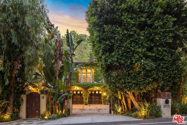 2975 Mandeville Canyon Road, Los Angeles (City), CA 90049 (#21699958) :: The Kohler Group