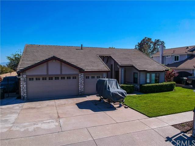 9821 Banyan Street, Alta Loma, CA 91737 (#CV21095489) :: The Alvarado Brothers