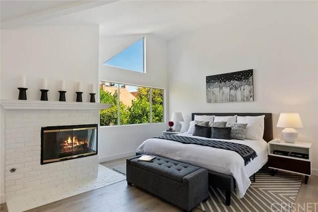 18730 Hatteras Street #15, Tarzana, CA 91356 (#SR21095832) :: The Costantino Group | Cal American Homes and Realty