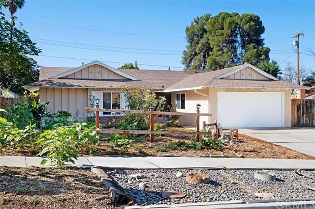 370 Glenhill Drive, Riverside, CA 92507 (#SW21095988) :: The DeBonis Team