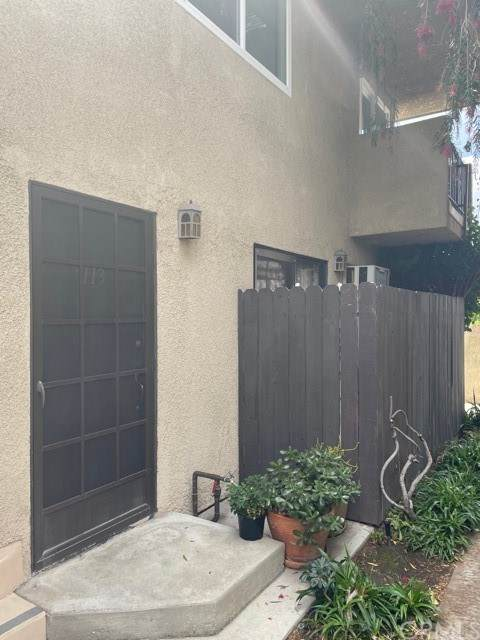 8641 Glenoaks Blvd., #113, Sun Valley, CA 91352 (#BB21095385) :: Team Forss Realty Group